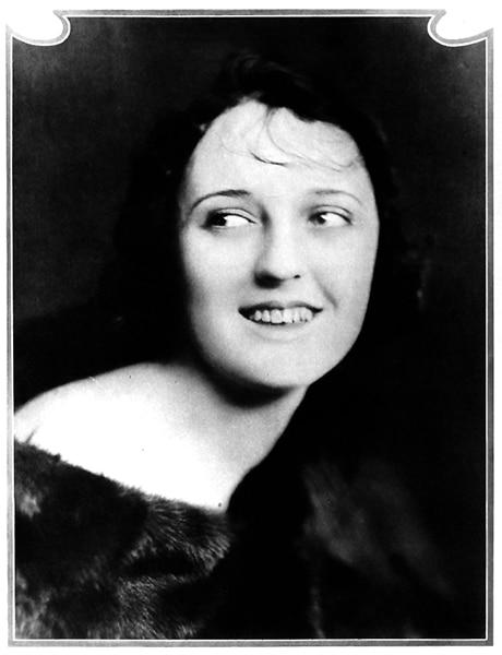 Carmel Myers in 1919 (Bizarre Los Angeles)