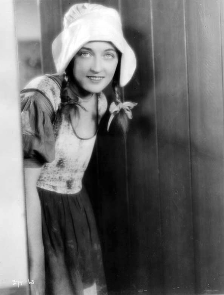 """""""I drop my work in the middle of everything when I find that I am fatigued. And during every change of scene I go into my dressing room and sit quietly with my eyes shut, even only for five minutes."""" -- Marion DaviesMarion Davies in """"The Red Mill"""" (1927) Bizarre Los Angeles"""