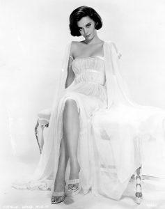 Natalie Wood in 1960 (Bizarre Los Angeles)
