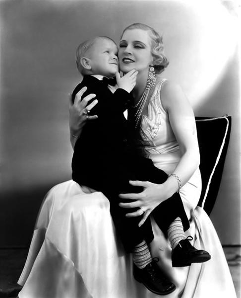 "Olga Baclanova and Harry Earles in ""Freaks"" (1932). Bizarre Los Angeles"