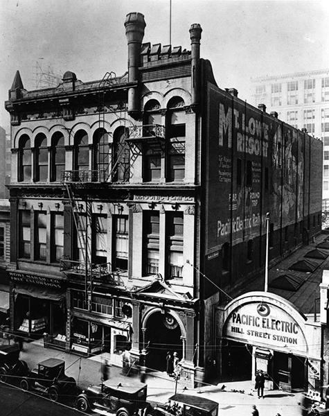 Hill Street Station, circa 1916. (Bizarre Los Angeles)