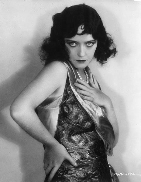 Marion Davies as Pola Negri. (Bizarre Los Angeles)