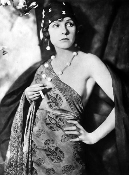 Norma Talmadge in 1919 (Bizarre Los Angeles)