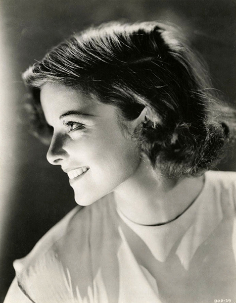 Katharine Hepburn smiling 1932