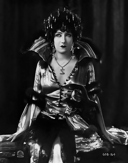 "Gloria Swanson in ""Zaza"" (1923). Bizarre Los Angeles"