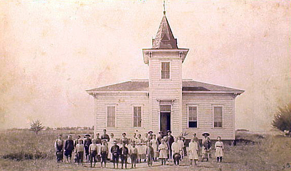This is supposed to be the original South Park Elementary School near the corner of Manchester and Avalon in Los Angeles sometime in the 1880s. Around this time, I was told that it was called the Green Meadows School.