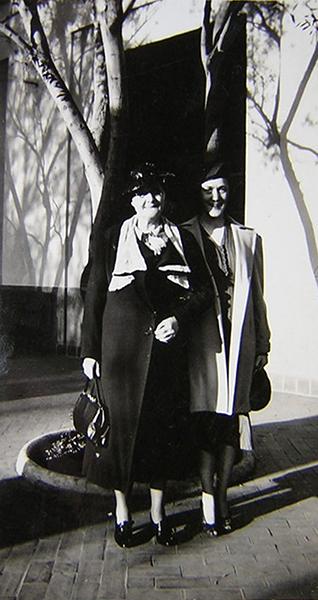 Two Ladies Union Station 1939