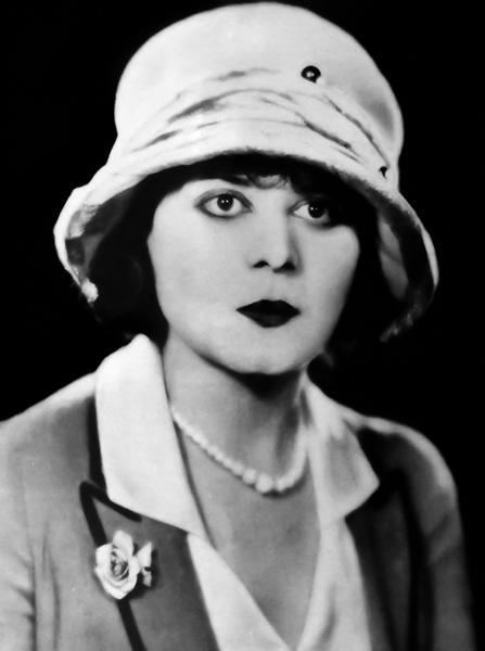 Theda Bara in 1924 (Bizarre Los Angeles)