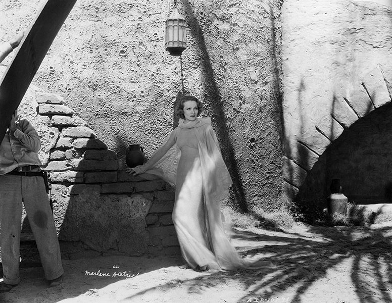 "Marlene Dietrich on the set of ""The Garden of Allah"" (1936). Bizarre Los Angeles"