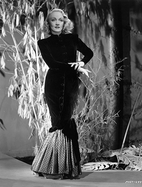 Marlene Dietrich in 1947. (Bizarre Los Angeles)