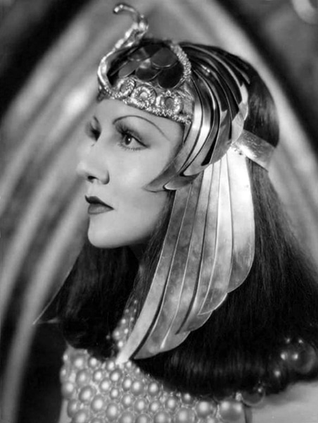 Claudette Colbert as Cleopatra. (Bizarre Los Angeles)