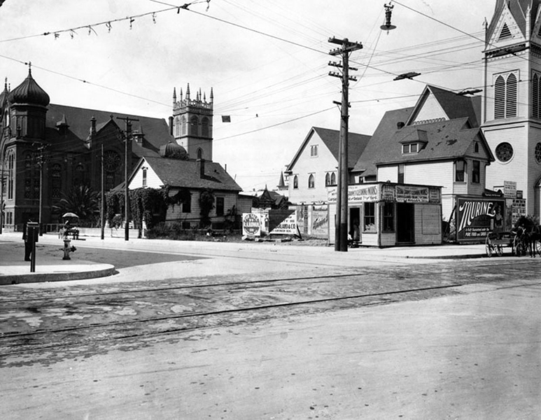 The corner of Grand Ave. and 9th Street, circa 1908. (LAPL 00068172) Bizarre Los Angeles