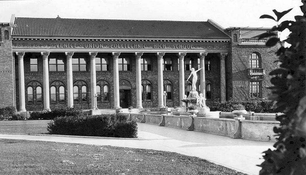 Venice Union Polytechnic High School in 1924. (Bizarre Los Angeles)