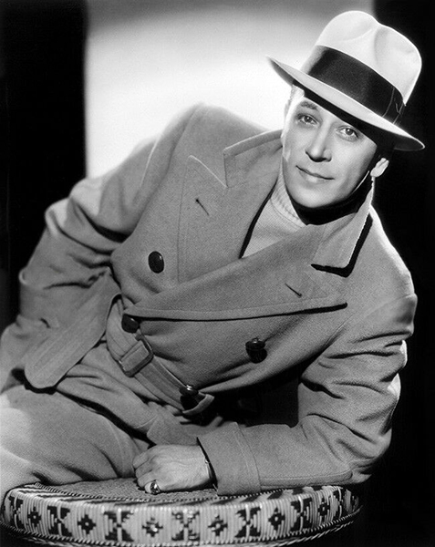 """""""I like it out here now and I guess I'll stay."""" -- George Raft (Bizarre Los Angeles)"""