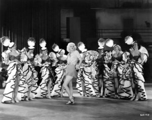 Jean Harlow and chorus girls, c. 1933. (Bizarre Los Angeles)