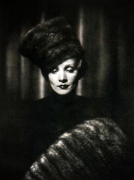 Marlene Dietrich Scarlet Empress 1934
