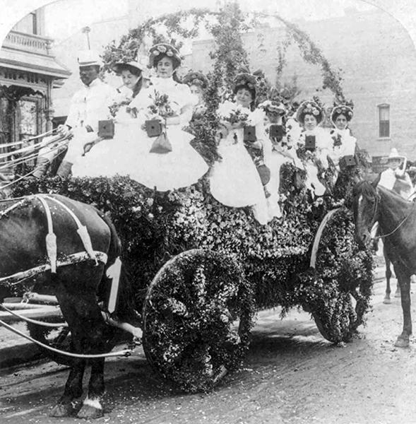 La Fiesta Floral Parade