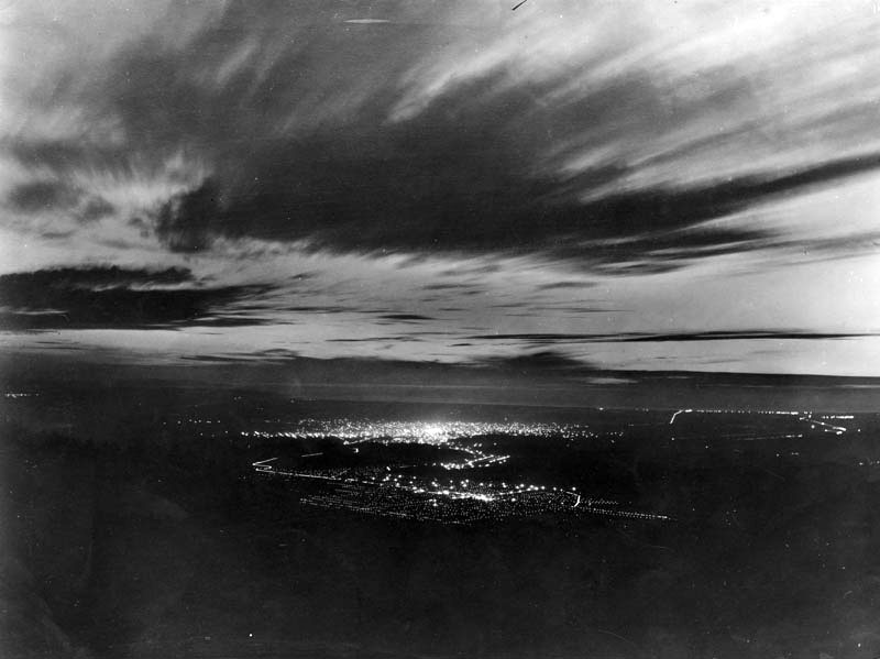 A night view of Los Angeles from on top of Mt. Wilson in January of 1905. (LAPL) Bizarre Los Angeles