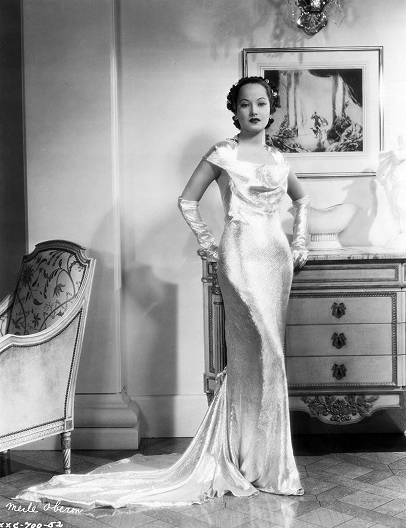 """I've been lucky all the time for I never had to play crowd parts. Just hanging around a studio on chance must in the end prove dreadfully dispiriting, I should imagine."" -- Merle Oberon"