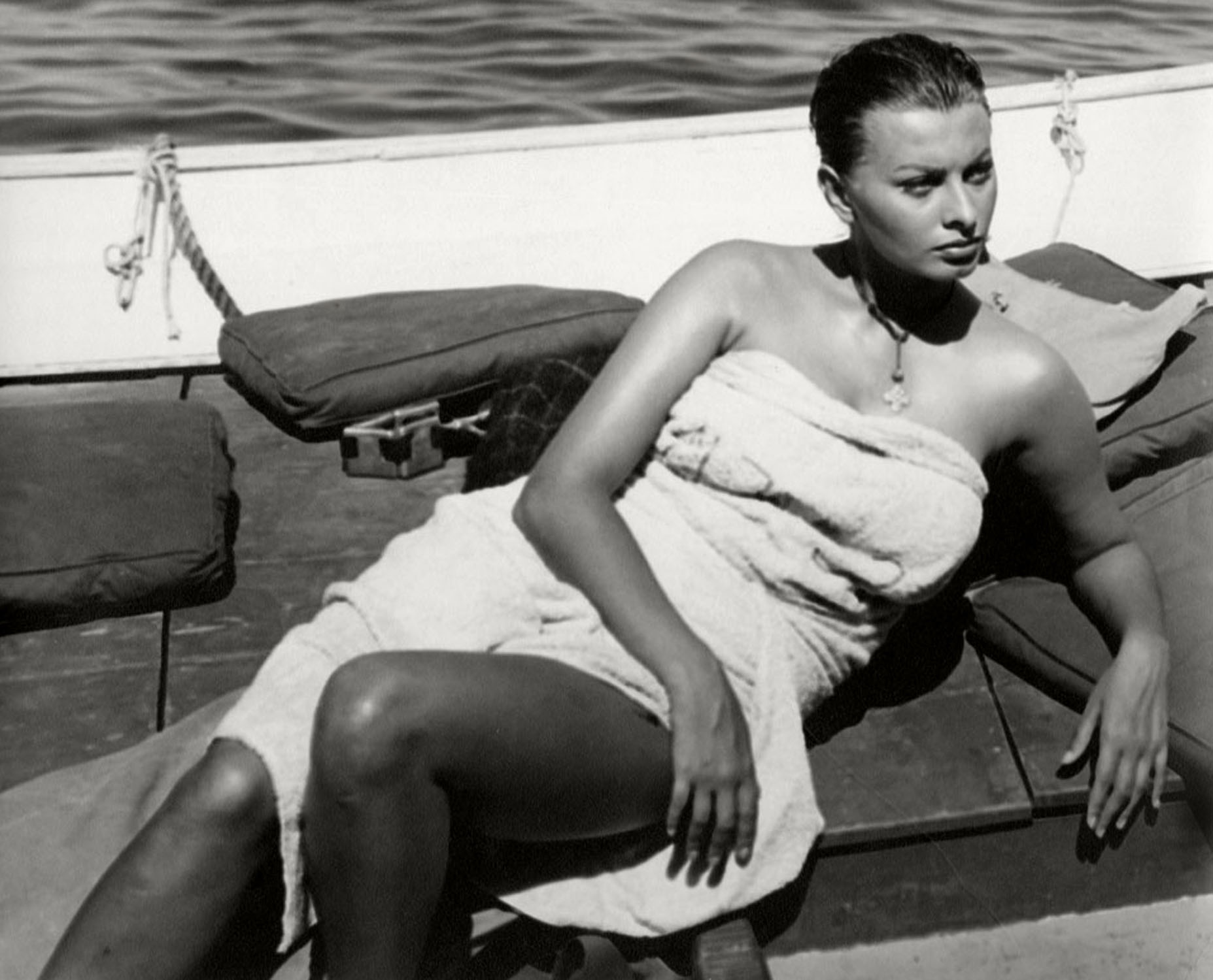 """If I become Americanized there is no use for me to be here. If I start thinking and acting like all actresses in Hollywood, then I am no longer who I am."" – Sophia Loren (Bizarre Los Angeles)"