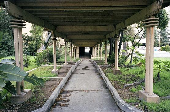 Los Angeles Ambassador Hotel walkway in 2005. (Bizarre Los Angeles)
