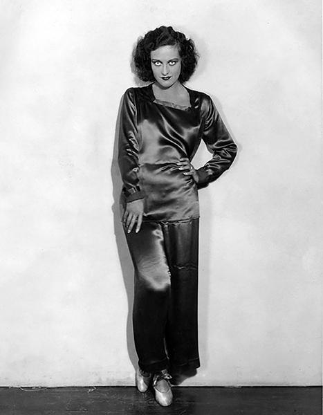 Joan Crawford in 1929. (Bizarre Los Angeles)
