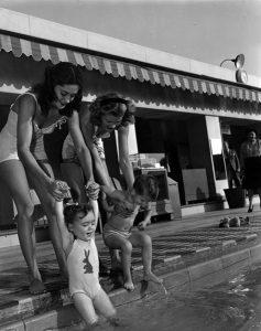 Model Mothers at the Los Angeles Ambassador Hotel (Bizarre Los Angeles)