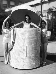 A fashion show at the Los Angeles Ambassador Hotel in 1930. (Bizarre Los Angeles)