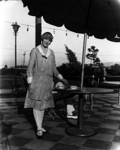 A Los Angeles Ambassador Hotel poolside waitress in 1923. (Bizarre Los Angeles)