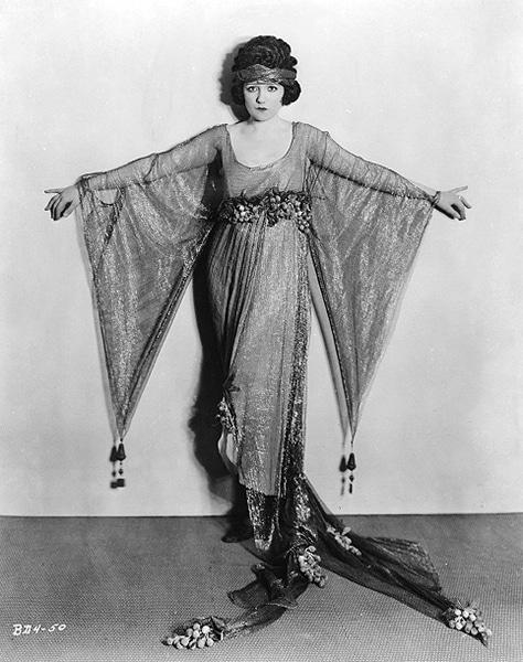 "Bebe Daniels from ""Ducks and Drapes"" (1921). Bizarre Los Angeles"