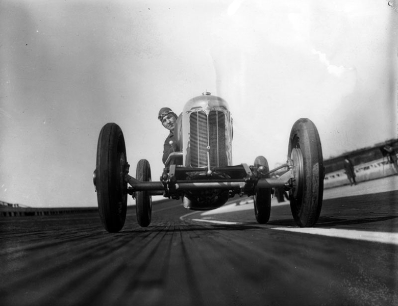 A race car driver at the Culver City Speedway in 1927. (Bizarre Los Angeles)