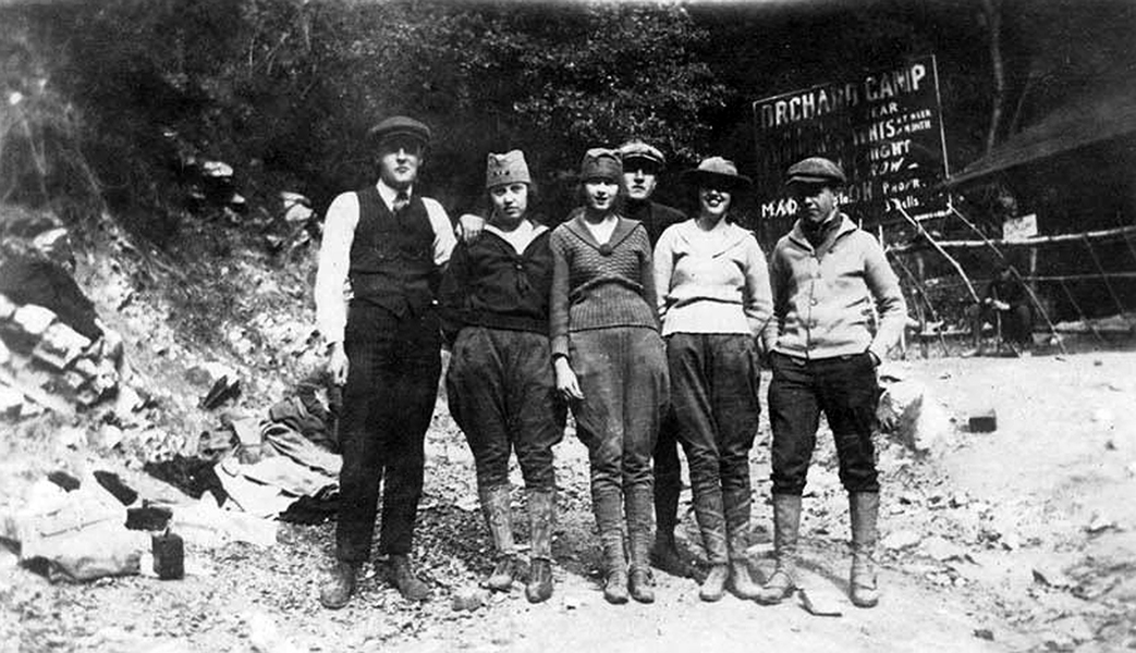 A group visiting the (lost) Orchard Camp near Mt. Wilson, circa 1920. (Bizarre Los Angeles)