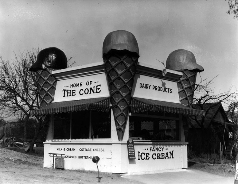 An early mimetic ice cream stand in Eagle Rock, circa 1920. Assuming it didn't move before 1931, the address would have been 402 York Blvd. (Bizarre Los Angeles)