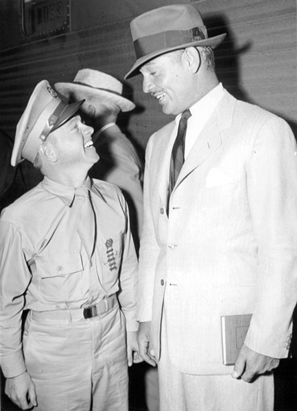 Mickey Rooney and Clark Gable. (Bizarre Los Angeles)