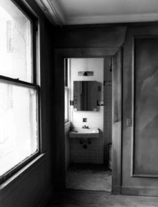 The bathroom of one of the guest rooms inside the Ambassador Hotel. 2005. Photographer: Tom Zimmerman. (Bizarre Los Angeles)