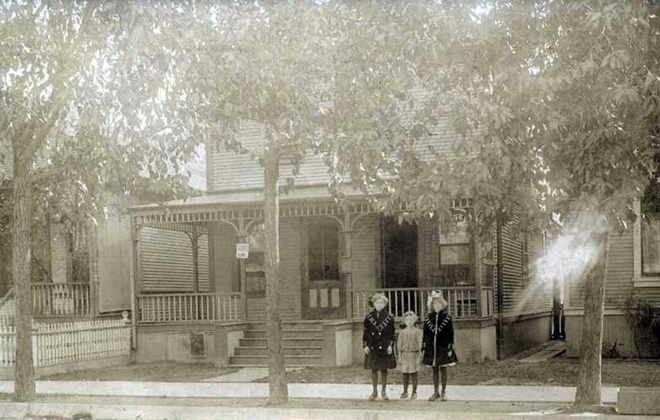 Los Angeles Mystery Photo 1909