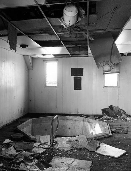 Interior of the Los Angeles Ambassador Hotel's health spa, circa 2005. Photographer: Tom Zimmerman. (Bizarre Los Angeles)