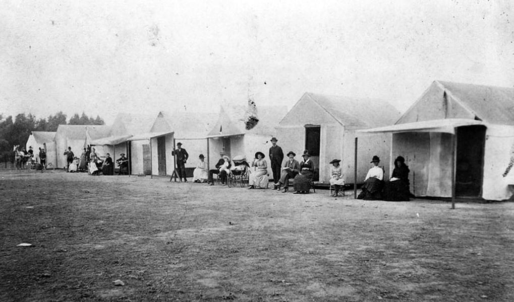 Camping on Santa Monica Beach in 1890 (LAPL).