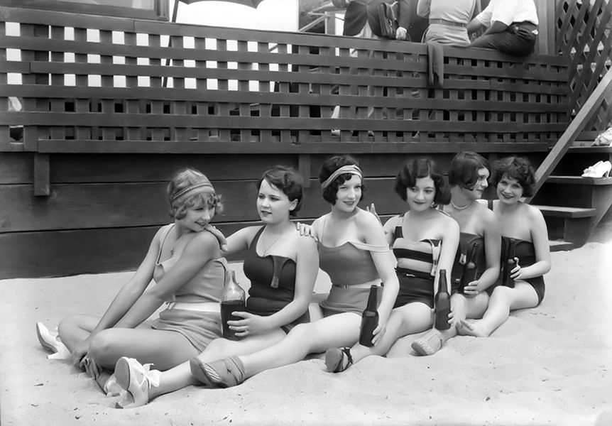 Chorus_girls_etc_Harry_Carrolls_home_Santa_Monica_CA_1929_image_12