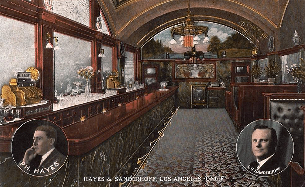 Hayes and Sanderhoff Saloon, c. 1912. (Bizarre Los Angeles)