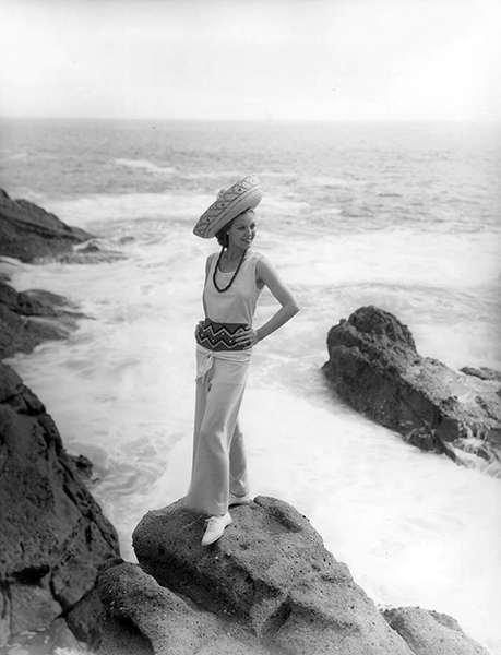 Loretta Young at the beach (Bizarre Los Angeles)