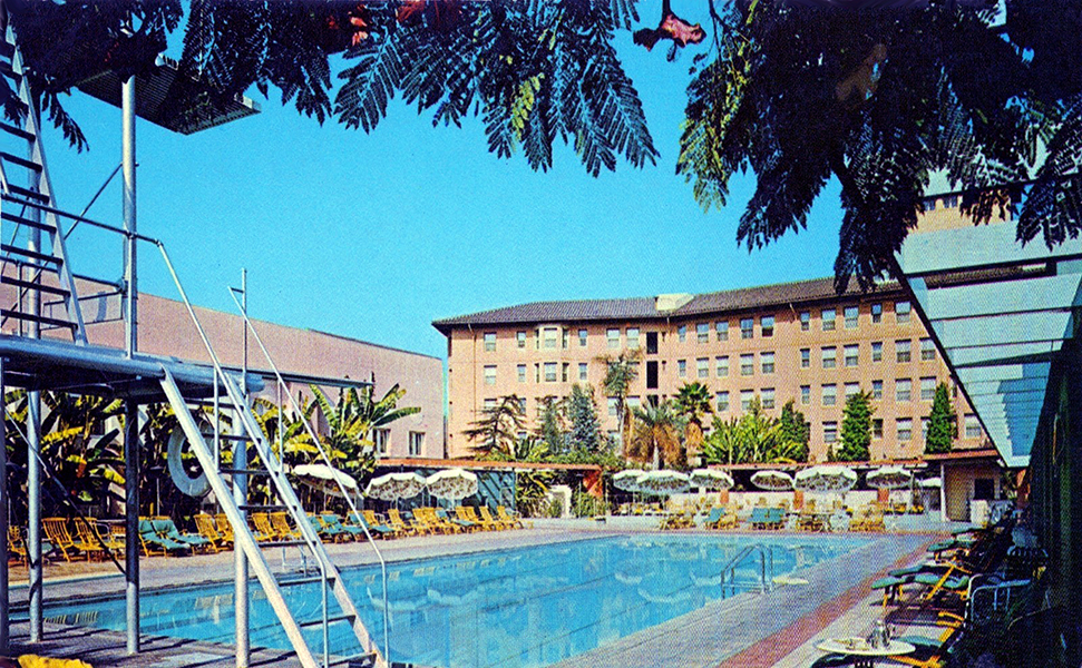 The Los Angeles Ambassador Hotel's Lido Swimming Pool. (Bizarre Los Angeles)