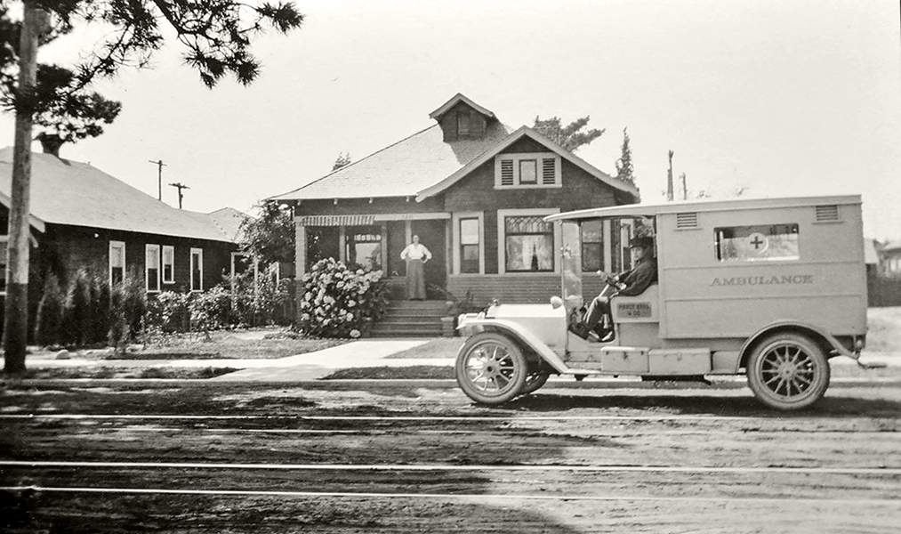 Pierce Bros. & Co. Ambulance Dayton Ave. Los Angeles, CA 1914