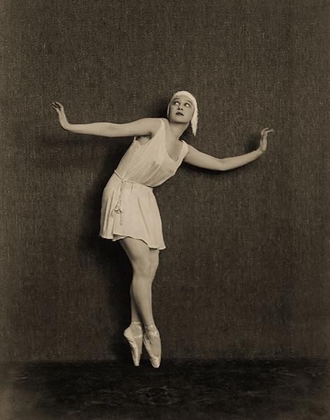 Greta Nissen dancer