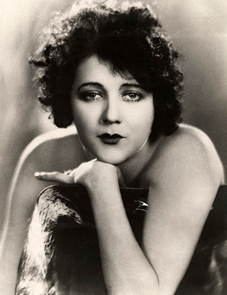 """""""I like my men like I like my roses … by the dozen."""" – Barbara La Marr (Bizarre Los Angeles)"""