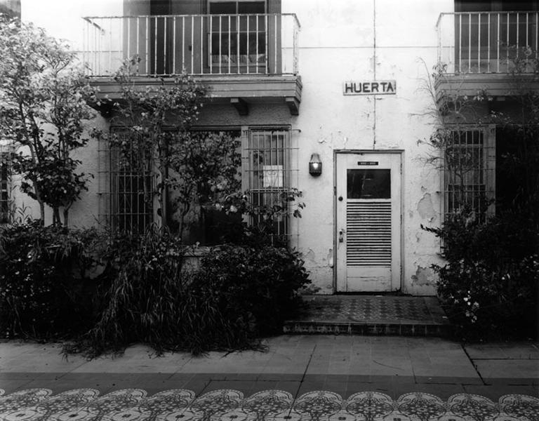 Expterior of the Los Angeles Ambassador Hotel's Huerta Bungalow, c. 2005. Photographer: Tom Zimmerman (Bizarre Los Angeles)