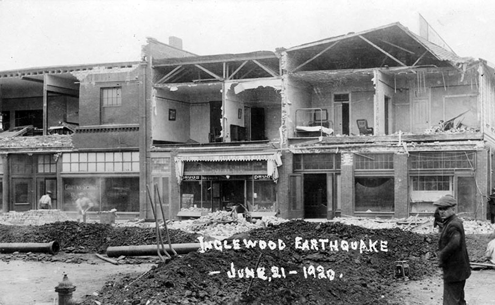 Damage to the Hotel Inglewood from the Inglewood Earthquake of June 21, 1920. It was a 5.0. Bizarre Los Angeles
