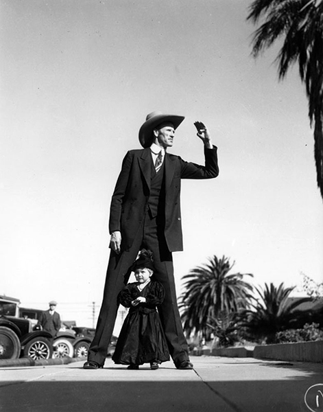 A fun photo from the 1930 Santa Monica Pioneer Days festival. (LAPL: 00030700) Bizarre Los Angeles