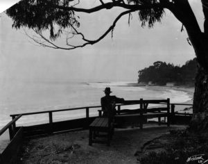 A tranquil view from Santa Monica Beach in 1927. (LAPL 00043630).