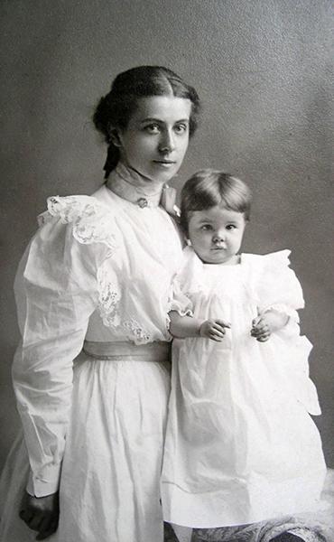 Woman child Myrtle M Gloege